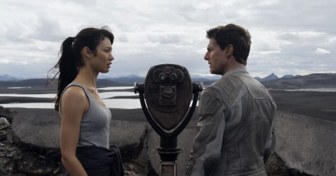 oblivion movie tom cruise olga kurylenko empire state building
