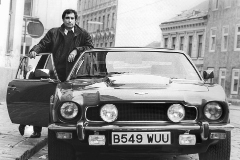 Timothy-Dalton-And-The-Vantage-V8-Volante-The-Living-Daylights-Promo-Image-james-bond-34124920-1200-800